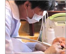 歯科医院に通院するのと同じ治療が受けられます